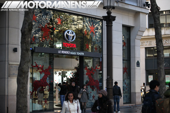 Le Rendez-Vous Toyota rendezvous Paris France Champs-Elysées Champs Elysees showroom flagship store