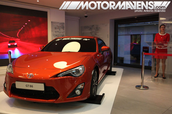 Toyota GT86 Scion FRS FR-S Le Rendez-Vous Toyota rendezvous Paris France Champs-Elyses Champs Elysees showroom flagship store