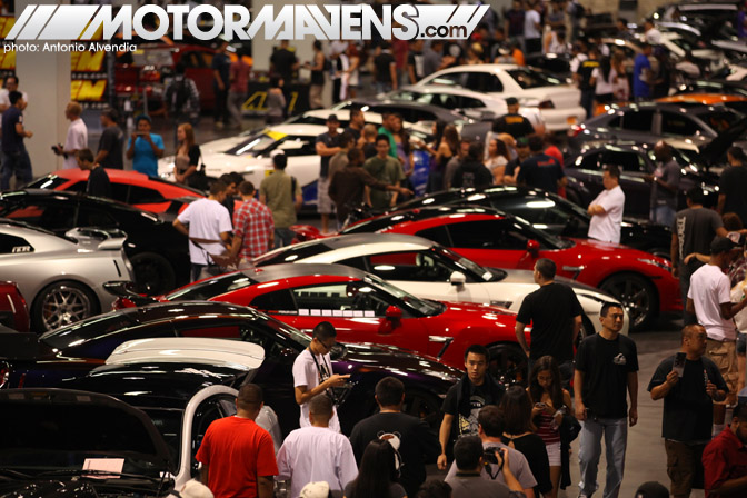 SpoCom Tour 2011 Anaheim Convention Center Nissan GTR crowds