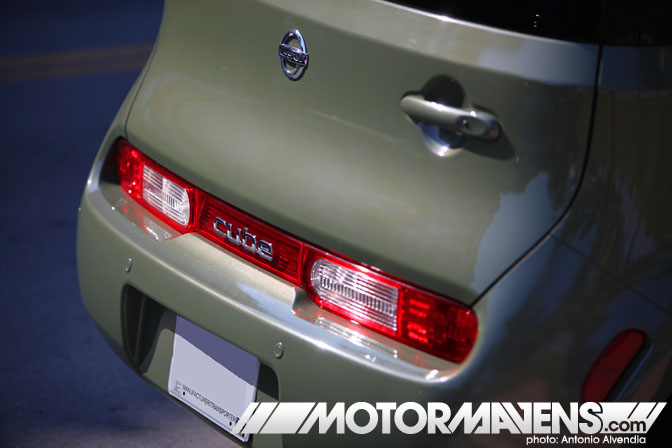 Nissan Cube rear taillights