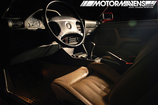 center stage fresh clean bmw e30 in atlanta motormavens car culture photography. Black Bedroom Furniture Sets. Home Design Ideas