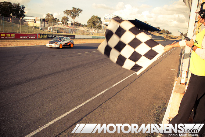 Evo chequered flag
