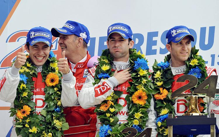 AUDI 24hr Le Mans 2010 Circuit De Sarthe Mulsanne audi #9 Mike Rockenfeller Romain Dumas Timo Bernhard Wolfang Ullrich